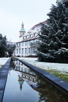 Die Grazer Brug Mansions, House Styles, Decor, Graz, Luxury Houses, Decorating, Dekoration, Deco, Palaces