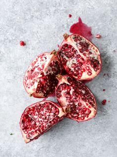 pomegranate vanilla skillet cobbler I howsweeteats.com