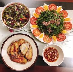 Vietnamese Cuisine, Vietnamese Recipes, Bento Recipes, Cooking Recipes, One Meal A Day, Viet Food, Modern Food, Daily Meals, What To Cook
