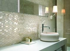 Tips voor het verbeteren van de badkamerinrichting. #badkamerinrichting #verbeteren badkamer Uw persoonlijkheid en uw smaak moeten worden weerspiegeld in een geslaagd badkamerdecor. De betegelde wanden geven een meer nette en moderne sfeer,...