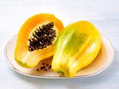 Die Papaya gehört zu den wenigen Früchten, die sich sowohl reif, als auch unreif essen lassen. Die Frucht entfaltet beim Reifen eine unwiderstehliche Süße.