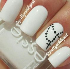I find this nail polish really beautiful and at the same time simple. I really liked it!