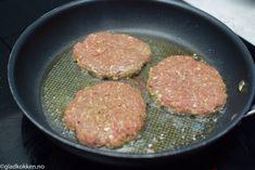 Hjemmelagde Karbonader   Gladkokken Iron Pan, Food And Drink, Meat, Kitchen, Cooking, Kitchens, Cuisine, Cucina
