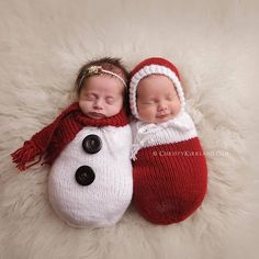 Knit baby Christmas outfits. So sweet!