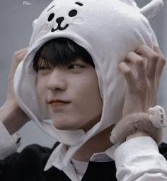 K Pop, Kai, J Hope Gif, Wattpad, Cute Photos, Kpop Boy, Kpop Groups, Boyfriend Material, K Idols