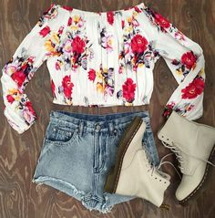 Love this Flower Top. From Princess Polly <3 <3