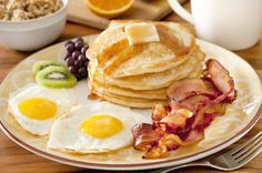 Fried bacon and pancakes