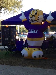 Tailgating prior to gm. against Alabama