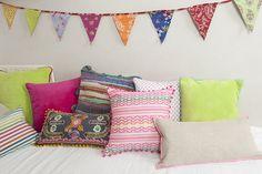 Cojines infantiles. Cojines para niños. Colores ácidos. Colores de verano. Cushions for kids. Acid colors. Summer colors. Calma House.