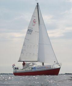 Compromis 720, zeilboot huren vanaf €385,- Floating Hotel, Sail Boats, Sailing Ships, Tall Ships