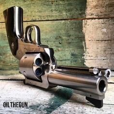 Via @oilthegun WGW #RUGER #jessetischauser #iggunslingers #WheelGunWednesday #Revolver #44Magnum #GunOwnersOfAmerica #NRA #