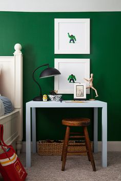 Bedside Basics: How to Style A Kid's Desk - The Makerista