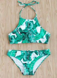 Hawaii Packing List: Outfits for Hawaii Vacation: cute swimsuits Halter Bikini, Bikini Dos Nu, The Bikini, Bikini Swimwear, Romwe Swimwear, Halter Neck, High Neck Bikini, Flounce Bikini, Crop Top Bikini