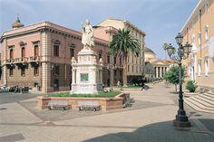 Piazza Eleonora, Oristano, Sardegna