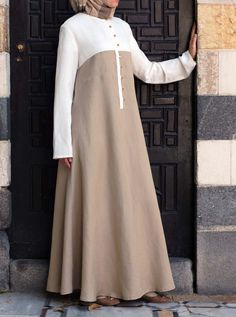 SHUKR's long dresses and abayas are the ultimate in Islamic fashion. Halal standards, ethically-made, international shipping, and easy returns. Modest Long Dresses, Modest Outfits, Simple Dresses, Maxi Dresses, Mode Abaya, Mode Hijab, Abaya Fashion, Fashion Outfits, Moslem Fashion