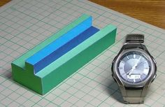 Take a look at this amazing Impossible Objects in Real Life illusion. Browse and enjoy our huge collection of optical illusions and mind-bending images and videos. Types Of Optical Illusions, Art Optical, Photoshop Tips, Photoshop Tutorial, Triangle De Penrose, Photo Humour, Papercraft Download, Illusion Drawings, Mind Games