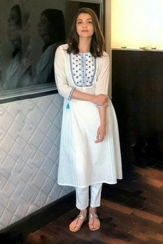 Silk Kurti Designs, Simple Kurta Designs, Salwar Designs, Kurta Designs Women, Kurti Designs Party Wear, Stylish Kurtis Design, Stylish Dress Designs, Designs For Dresses, Casual Indian Fashion