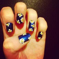 Disey nails.