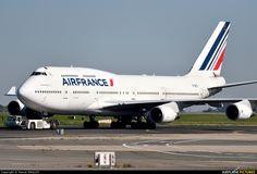Air France F-GITI aircraft at Paris - Charles de Gaulle photo Boeing 747 400, Boeing Aircraft, Airbus A380, Jumbo Jet, Aircraft Photos, Air Planes, Air France, Aviation Art, Air Travel