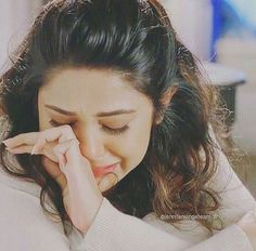Stylish dpz for girlz Lonely Girl Photography, Jennifer Winget Beyhadh, Crying Girl, Crying Eyes, Alone Girl, Cool Girl Pictures, Sad Pictures, Jennifer Love, Cute Girl Face