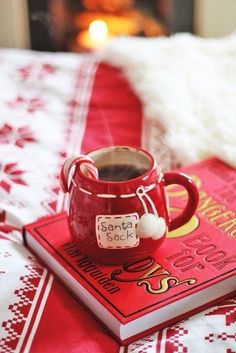 Briar Rose: Curl up, it's Christmas. Cosy Christmas, Christmas Wonderland, Christmas Coffee, Christmas Kitchen, Merry Little Christmas, Christmas Candy, Christmas Holidays, Christmas Decor, Holiday Decor