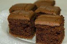 Fancy making a treat to go alongside your Bonfire Night celebrations? We have the perfect recipe for some traditional parkin loaf you might want to try. Parkin Cake Recipe, Parkin Recipes, Sweet Recipes, Cake Recipes, Dessert Recipes, Bonfire Night Food, Chocolate Peanut Butter Brownies, Sweet Pie, Gluten Free Desserts