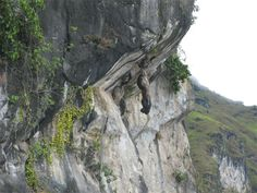Hanging Rock - Lake Toba