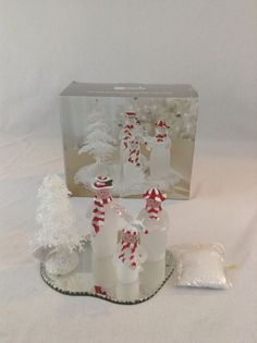 JCPenney's Christmas Holiday Acrylic Snowman Family On Mirrored Base With Snow