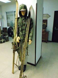 Museo División Azul - Traje de esquiador. La mayoría de los esquiadores murieron…
