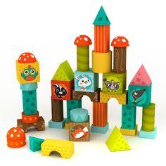 46 cubos de madera blocks de Eurekakids con bonitos diseños y alegres colores para que los pequeños a partir de los 18 meses empiecen a hacer sus primeras construcciones.