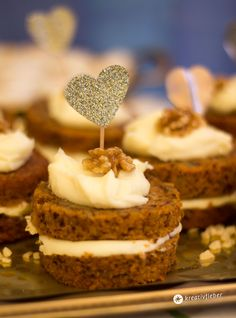 Carrot Cake Mini Törtchen mit Mascarponeschokoladentopping
