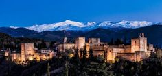 La Alhambra desde el Mirador-de-San-Nicolas, con Sierra Nevada al fondo, Granada
