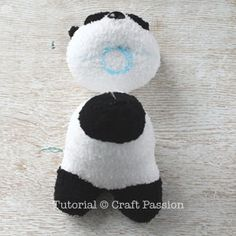 Sew a set of twin sock panda PaiPai & PeiPei with pair of white & black chenille microfiber socks. Free pattern with steps photo and printable template. – Page 2 of 2 Teddy Bear Patterns Free, Sewing Patterns Free, Free Sewing, Free Pattern, Diy Sock Toys, Sock Crafts, Baby Gifts To Make, Sewing Stuffed Animals, Sock Dolls