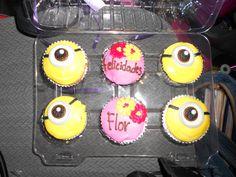 cupcakes de minions de regalo de cumpleaños