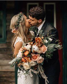 🤵👰 Boho Wedding 📷 Photography 📸 Photo Ideas 💡 Love the colors for a fall wedding! Floral Wedding, Wedding Colors, Wedding Styles, Bohemian Wedding Flowers, Bohemian Chic Weddings, Flower Crown Wedding, Sunset Wedding Theme, Fall Flower Crown, Bohemian Bridesmaid