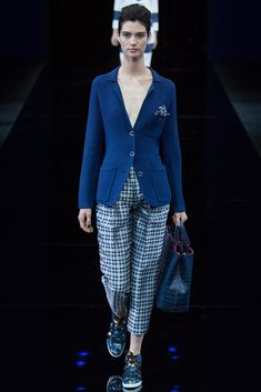 Emporio Armani Spring 2015 Ready-to-Wear Fashion Show