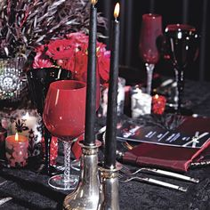 Four Chicago wedding vendors battle it out for the Designers' Challenge crown. Get inspired by their beautiful and creative wedding decor. Twilight Wedding, Chicago Wedding, Wedding Vendors, Ali, Alcoholic Drinks, Wedding Decorations, Challenges, Events, Studio