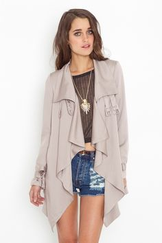 never thought a trench could go with shorts