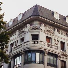 Un rincón parisino en el centro de Zaragoza #zaragozaguia #zaragoza #regalazaragoza #zaragozapaseando #zaragozaturismo #zaragozadestino #miziudad #zaragozeando #mantisgram #magicaragon #loves_zaragoza #loves_aragon #igerszaragoza #igerszgz #igersaragon #instazgz #instamaños #instazaragoza #zaragozamola