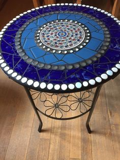 Dieser Artikel ist nicht verfügbar Glad to you this article from my shop to present: mosaic table, side table, garden, bistro table Mosaic Outdoor Table, Mosaic Tile Table, Outdoor Table Tops, Tile Tables, Mosaic Vase, Patio Table, Mosaic Table Tops, Mosaic Garden Art, Painted Stools