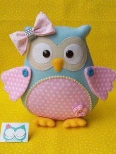 Sewing projects toys templates ideas for 2019 Owl Crafts, Baby Crafts, Sewing Crafts, Sewing Projects, Sewing Toys, Owl Cushion, Felt Owls, Owl Pillow, Baby Mobile