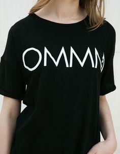 Camiseta estampado OMMM/LOVE - Mujer - Bershka España