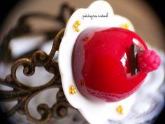Bague Réglable Dessert Acidulé en pâte Fimo - Mini Gâteau Dôme Créateur - Miniature à porter. : Bague par petitsgrainsdecel