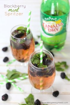 Canada Dry Ginger Ale® and Punch Recipes - Eazy Peazy Mealz Ginger Ale, 7up Punch Recipe, Punch Recipes, Drink Recipes, Fruit Drinks, Non Alcoholic Drinks, Beverages, Party Drinks, Recipes