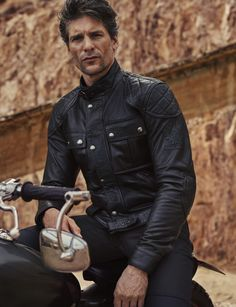 Belstaff Brooklands 'Mojave' Waxed Jacket - Black - Men for vintage and classic cars Wax Jackets, Leather Jackets, Belstaff Jackets, Waxed Cotton Jacket, Men's Leather, Collar And Cuff, Motorbikes, Black Men, Motorcycle Jacket