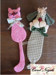 Marcador de Pagina Modelo Gato ou Cachorro Kids Crafts, Baby Crafts, Felt Crafts, Fabric Crafts, Crafts To Make, Sewing Crafts, Sewing Projects, Projects To Try, Paper Crafts