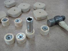 Make Your Own Knobs and Save / Fabriquez vos poignées et épargnez Beginner Woodworking Projects, Woodworking Bench, Homemade Tools, Diy Tools, Wood Tools, Bois Diy, 3d Modelle, Maker Shop, Workshop Organization