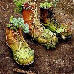 EEeeeeew. It looks like some hillbillies rotted in the garden!