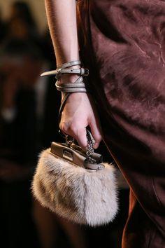 135 самых красивых сумок с показов Недели моды в Милане, которые нужно носить весной 2015 | VOGUE | Мода | Выбор VOGUE | VOGUE
