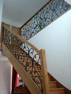 http://www.stylescalier.com/gamme-prestige/ Ces escaliers allient à merveille ce côté sensationnel et confortable, le luxe et l'esthétique sont indiscutable pour ces escaliers que l'on pourrait qualifier de « pièces uniques » et personnalisés, un véritable vent de prestige dans votre intérieur.